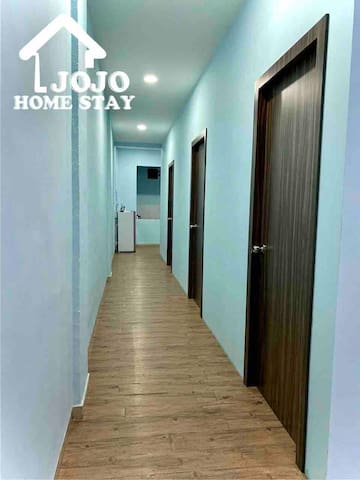 JOJO HOMESTAY FRONT OF BCS MALL 6-9 PERSON 6 BED'S