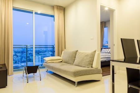 Sukhumvit rd. 2 bedroom & Pool  - Bangkok