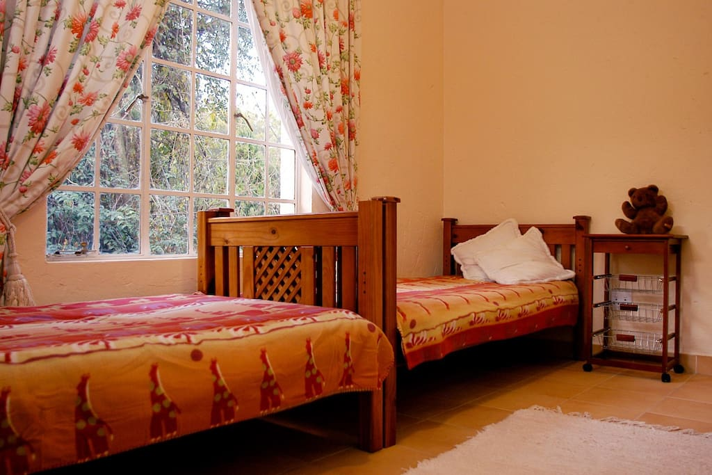 2 Bedroomed Unit - Twin Bedroom