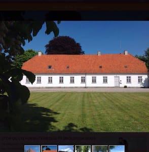 Hus med have i skøn natur - Præstø