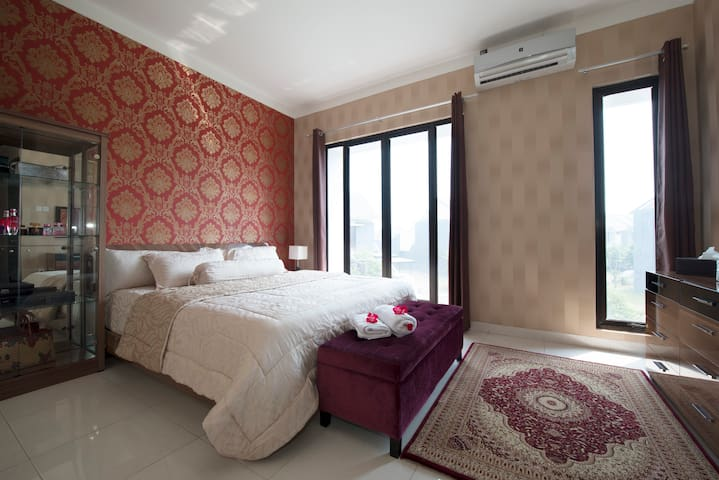 Cozy Luxury New Home  (Woman only) - South Tangerang - Rumah