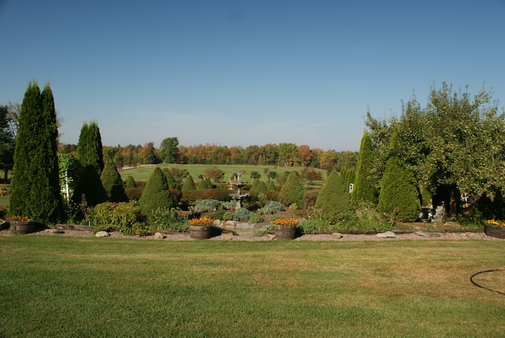 Pattee Hill Farm Bed & Breakfast