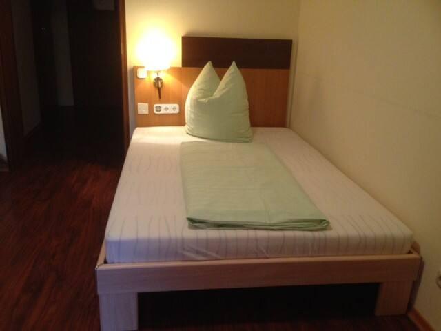 Schöne möbl. 1-Zi-Whg. 1. OG Nr 165 - Bad Aibling - Apartment