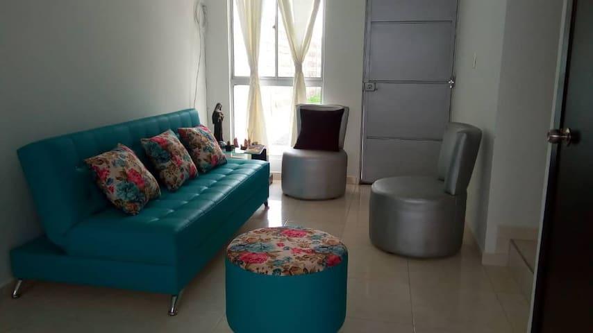 Full House with A/C.Pool 5 guests Villa de Rosario