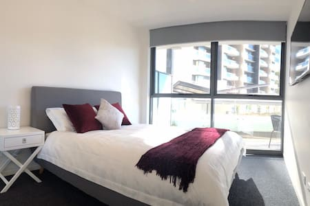 2nd level 1BR Flat near Woden City Square