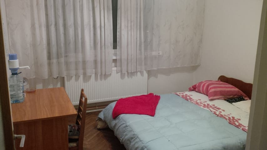 Double bedroom, Targu Mures, well-situated - Târgu Mureș - Apartment