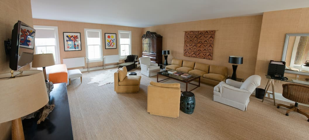 Spacious Loft on Warren Street - Hudson - Pis