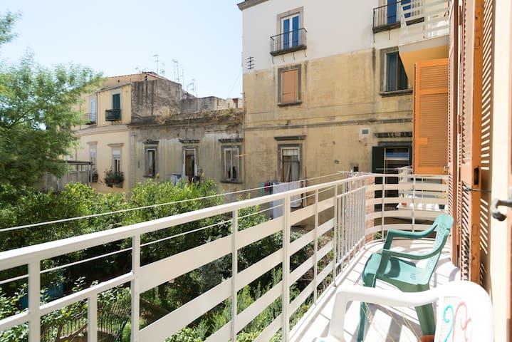 Quiet & bright room in Naples - Nápoles - Bed & Breakfast
