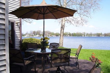 West Michigan Executive Lakefront Home - Saranac
