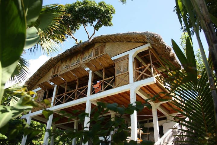 Surf Haiti Guesthouse - Cayes-de-Jacmel - Bed & Breakfast