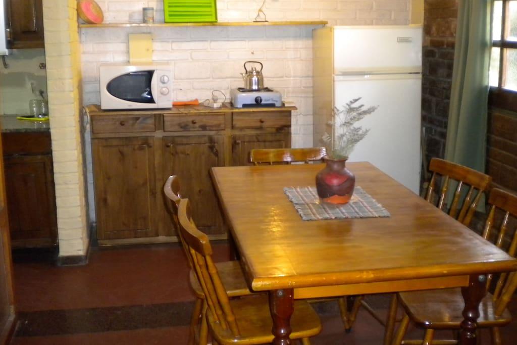 se puso cocina electrica y cambio mesa