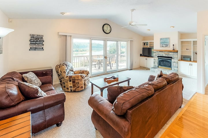New listing! Family-friendly, lakefront home w/ a deck & private hot tub