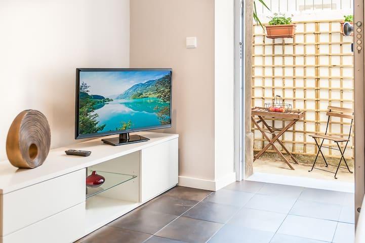 Apartment in Graça w Private Patio - Lissabon - Huoneisto