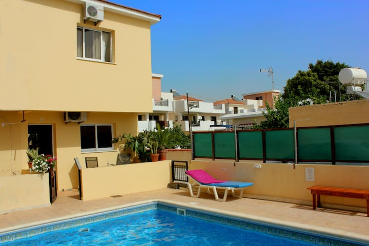 Townhouse: Pool/Wi-fi/2 sovrum - Perivolia - House