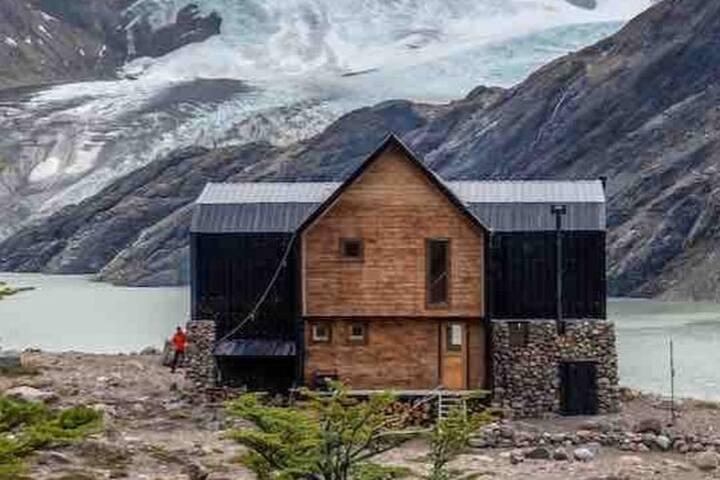 Puesto Cagliero, Refugio de Montaña, El Chalten