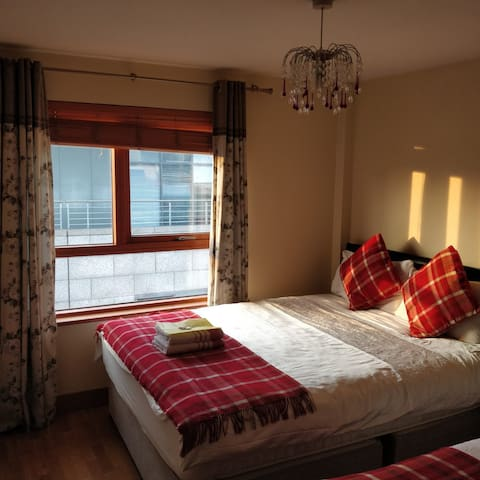 Comfortable ensuite 3 beds in City Centre Dublin 1