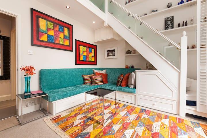 Hyde Park, London Loft Style Living