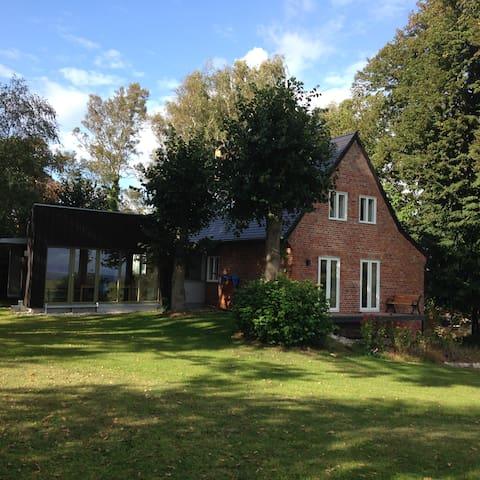 Traumhaftes Ferienhaus  - Ahrenshoop - Casa