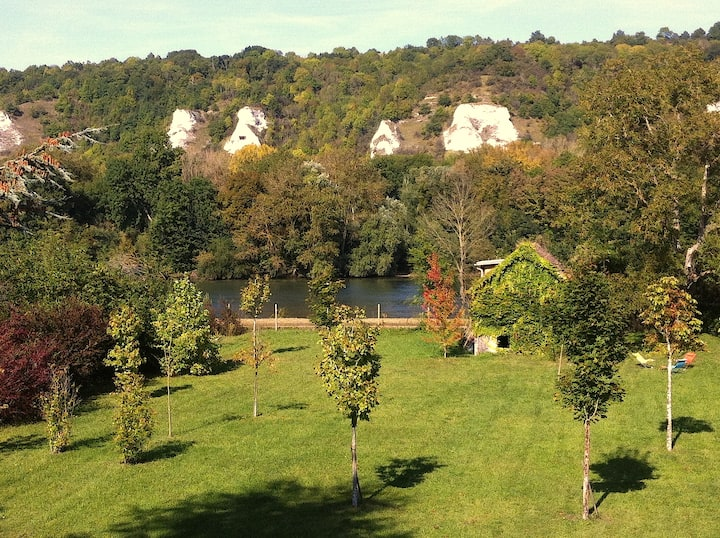 Bords de Seine, près de Giverny: La Moissonnière !