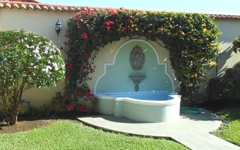 Bella Casa en Santa Tecla - Santa Tecla - Hus
