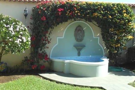 Bella Casa en Santa Tecla - Santa Tecla - Ev