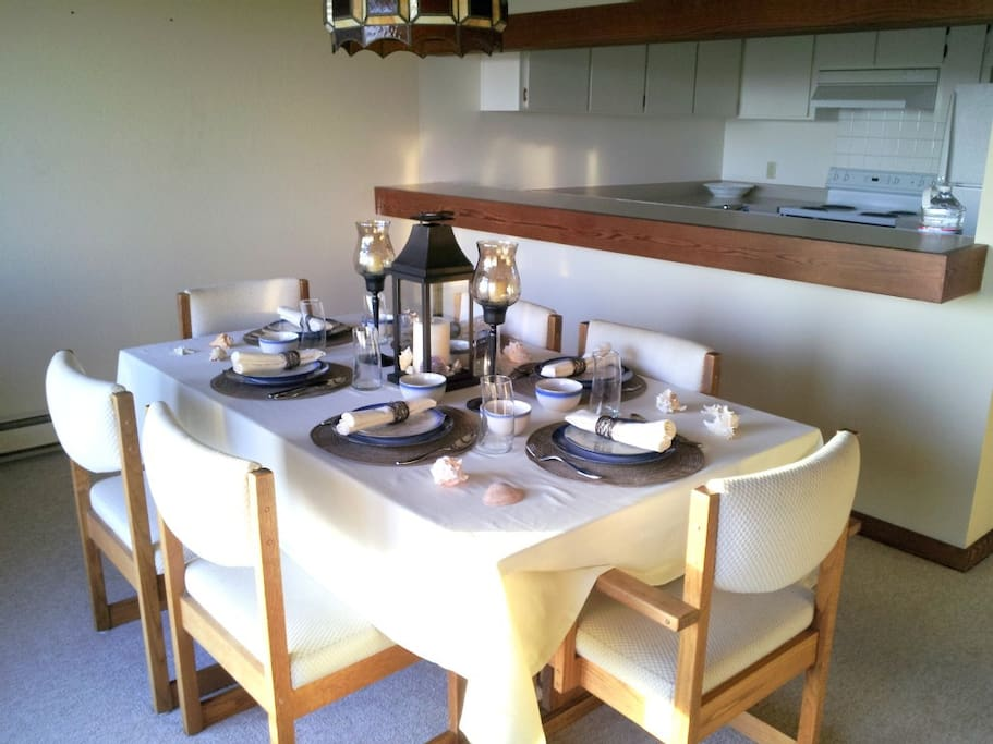 'Share dinner and sunset with your family from the dinning room'