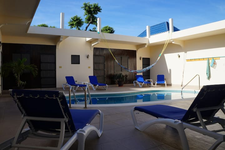 Fully equipped private Villa ,pool, huge garden.