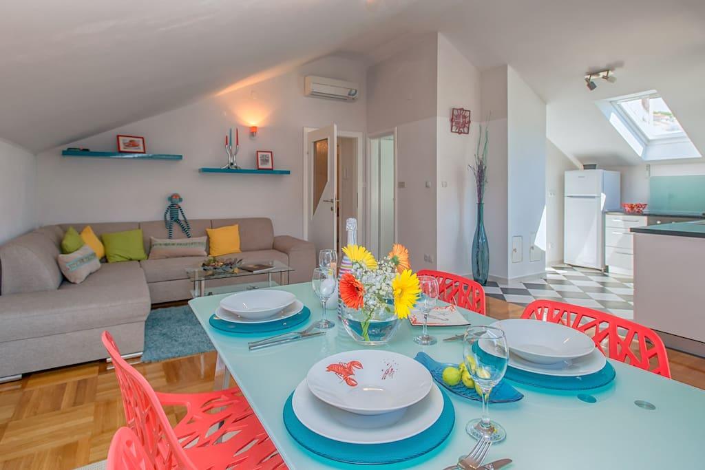 living area, kitchen, separte aircondition