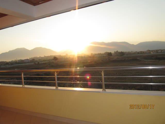 Villa  - Laknas