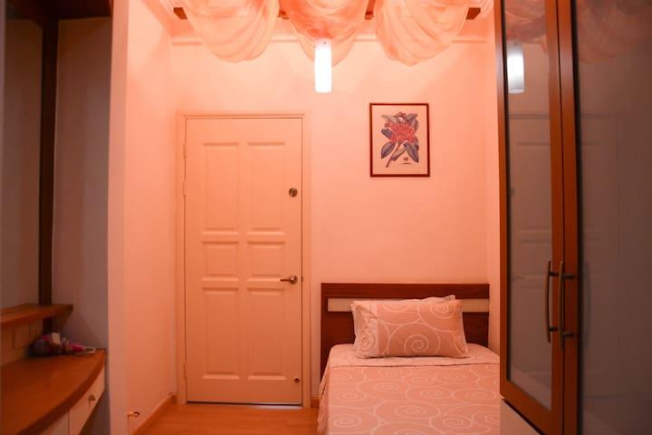 Memoire Villa, Orange Suite