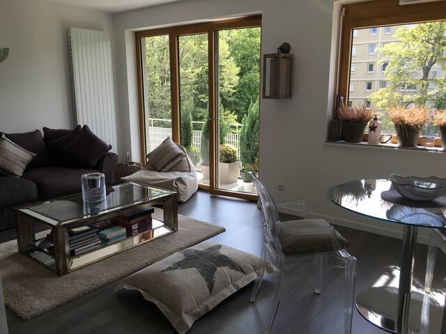 Appartement moderne, spacieux, convivial et calme - Fontainebleau - Byt