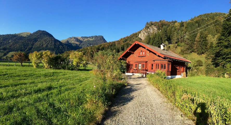 Unique Hunters hut in Tirol - Walchsee - Hus