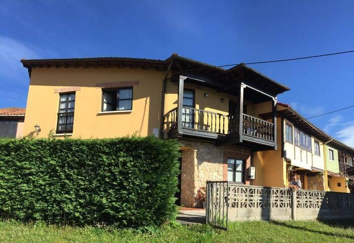 Casa de aldea en Piloña - San Román de Villa - House