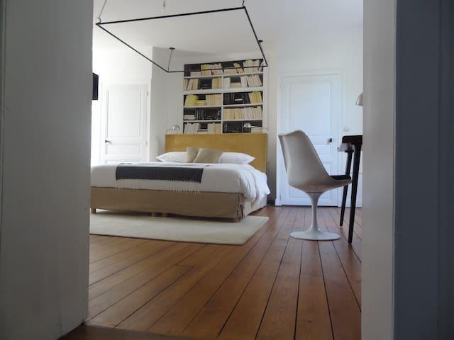 B&B CasaNova Saumur Cbre Ex Libris - Saumur - Bed & Breakfast