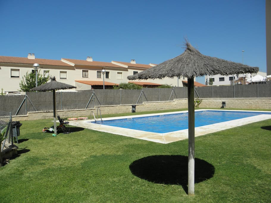 Apartamento en jerez con piscina wifi y parking for Piscina jerez de la frontera