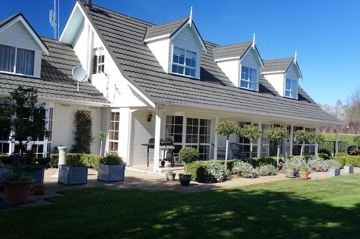 Te Mata Estate,Bed and Breakfast - Tamahere - Haus