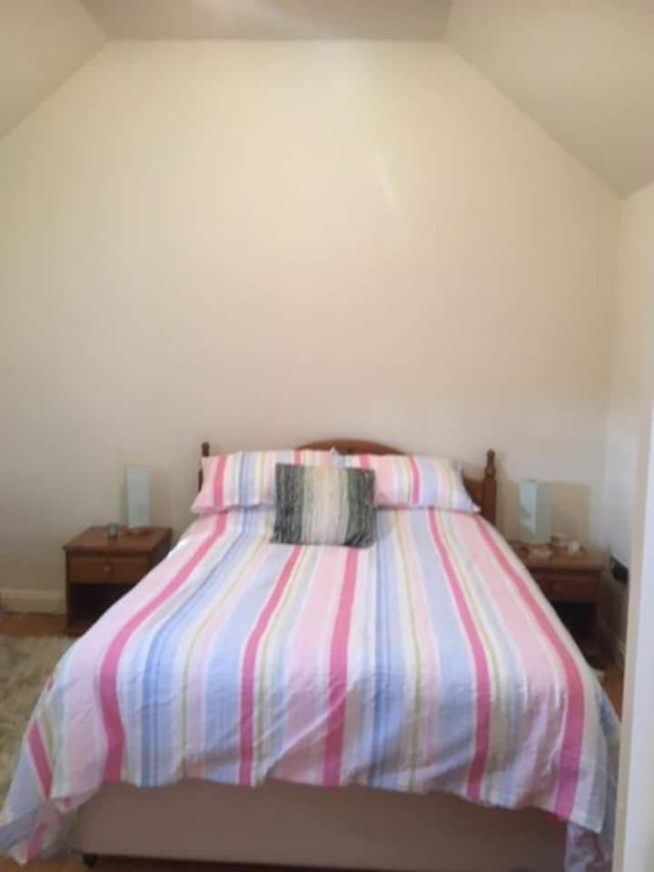 Beautiful double bedroom in private Apartment