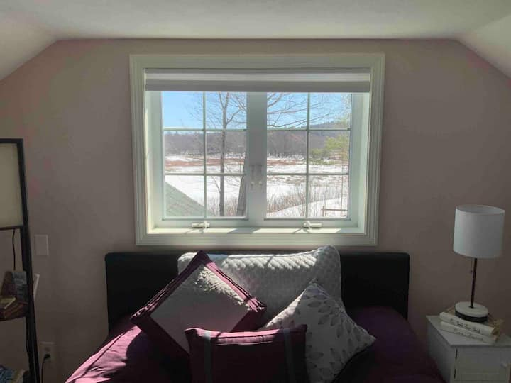Quaint room upstairs with a beautiful view!