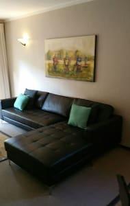 119 woodmead/Sunninghill apartment - 桑頓 - 公寓