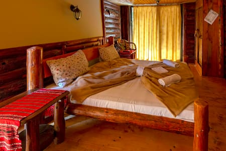 Beautiful Double Room with Mountain View -Room 01