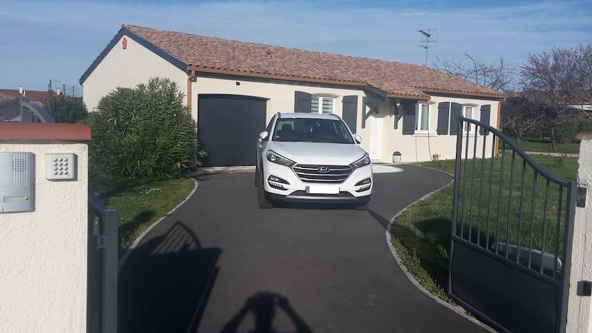 Maison climatisée, au calme avec parking privatif - Saint-Juéry