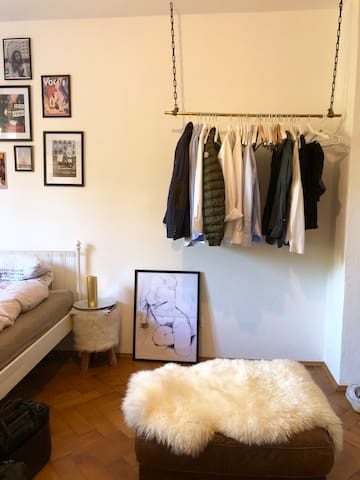 CHARMING & BRIGHT apartment central Munich