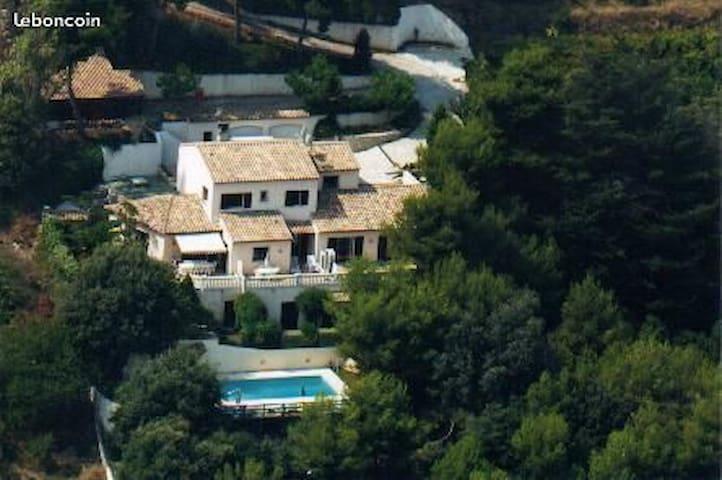 Villa Montaleigne