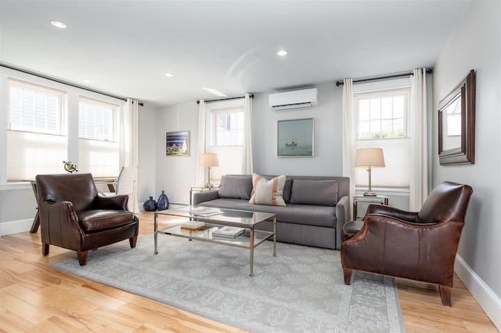 Beautifully Renovated and Furnished Falmouth Foreside Location