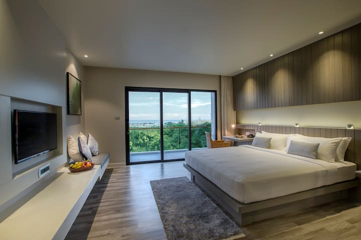 #2 IKONIC Sunset Room near Karon Beach