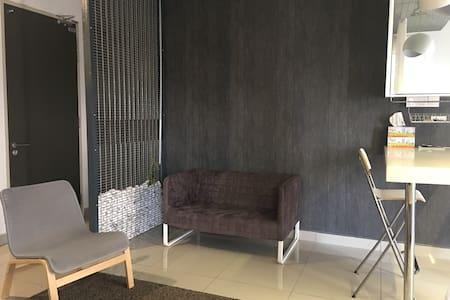 Urban 360 Studio Suite (Pool view)