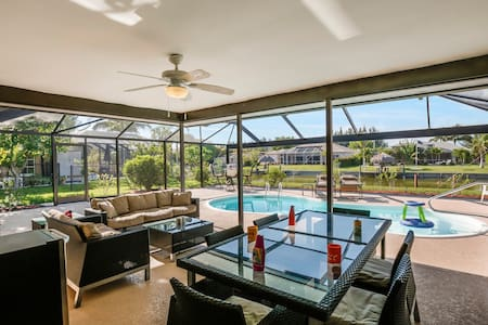 Villa Highland ~ 15% Off December 2016 ~ NEW! - Cape Coral - Ház