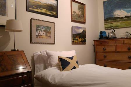 Stonehaven Arts & Crafts Double Bedroom - Stonehaven