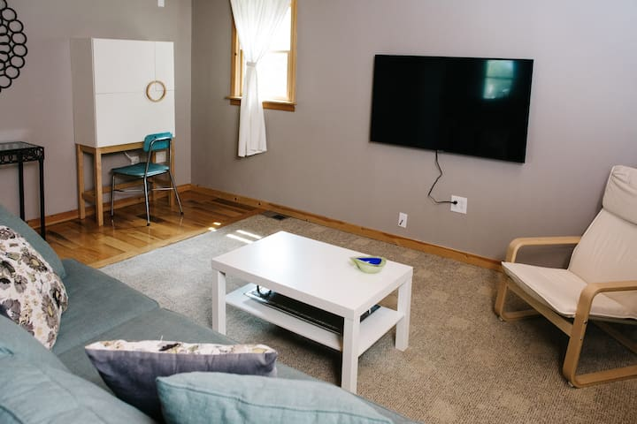 West Bayview Carriage Apartment