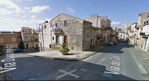 Lovely home in Vizzini!